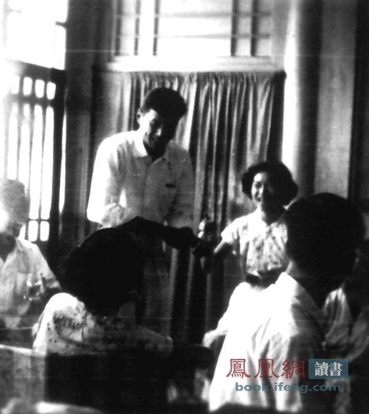毛泽东亲自过问的一桩离婚案:洪君彦和章含之离婚前后