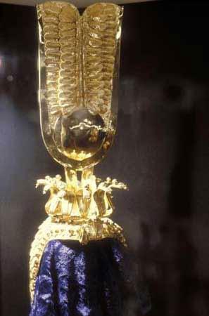 重大的仪式中,法老王一般戴着代表上埃及的白色?-曾被埃及法老诅图片