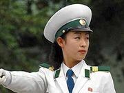 揭秘朝鲜漂亮女交警(组图)