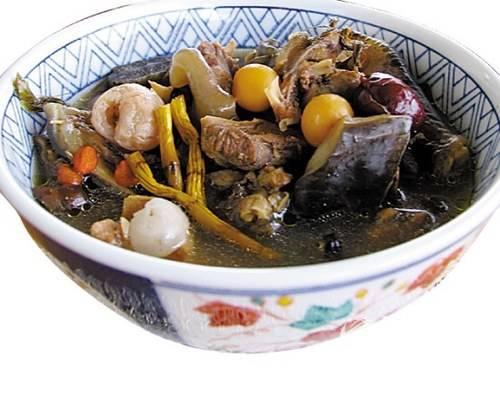 金石斛红枣炖水鱼