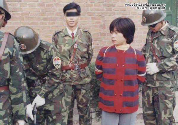 与陶静同时被枪决的冯翠琼,也是云南人,也是21岁,也是因为贩毒。